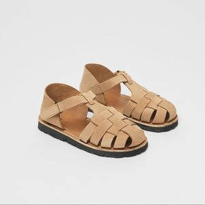 • Zara • Leather Fisherman Sandals